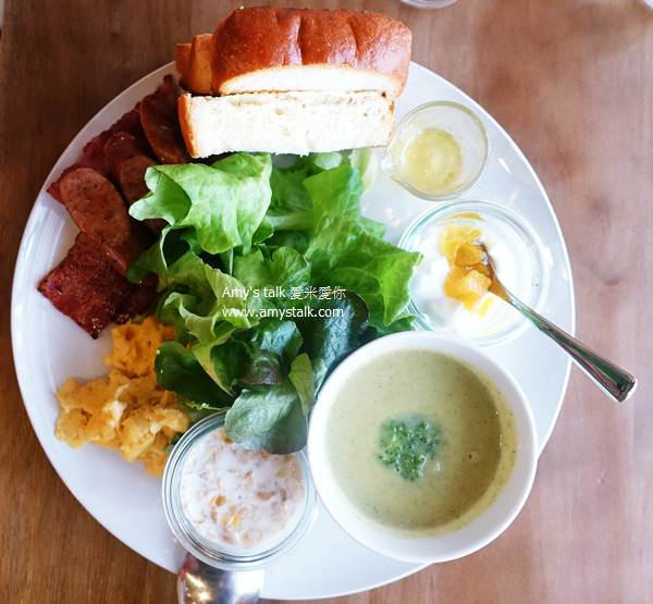 【食記】台南‧東區--蔬食樂SoothRoad,生菜盒、早午餐、輕食、義大利麵和飲品