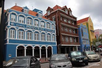 Photo: Banco Industrial de Venezuela en el centro de Curazao