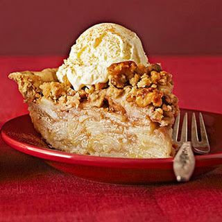 Pear-Walnut Streusel Pie