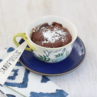 How to Make a Chocolate Molten Lava Mug Cake in a Microwave
