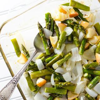 Simple Roasted Asparagus with Apple & Onion.