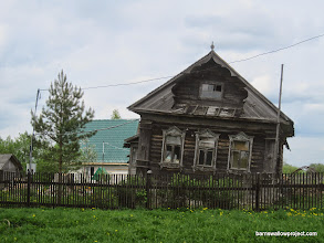Photo: This dacha has seen better days...