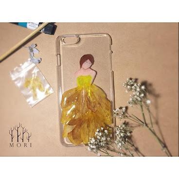 鬱金香Phonecase  iPhone 6/6S 其他型號手機殻,歡迎查詢 絕對是獨一無二 $150(已包平郵)  詳情歡迎查詢whatsapp:65421768  #beauty #mori #手飾 #送 #禮 #girl #個性的 #個性 #diy #頸鏈 #tailormade #hkig #hkshop #hkgirl #hkgirlshop #case #iphone #flower #fashionable #fashion #禮物 #聖誕禮物 #手機殼 #手機配件#phonecases #phonecase #iphonecase #iphone6cases #滴膠 #AB膠