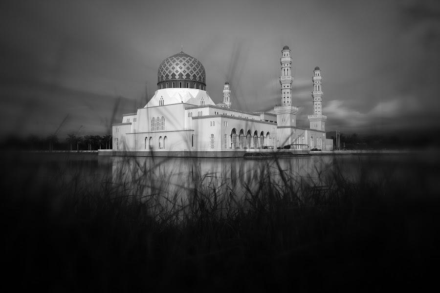 Kota Kinabalu City Mosque by Abi Danial - Black & White Landscapes