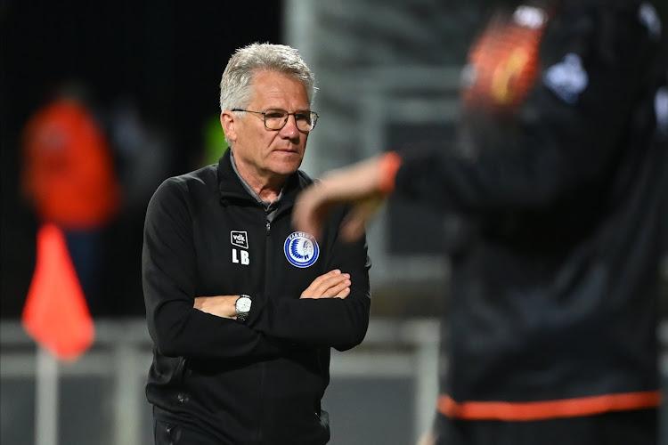 """Humor en cynisme na ontslag Bölöni: De 'Joeri' (of 'Roman') reageert, """"Papegaaien van De Witte"""" en Vandenbempt vraagt zich iets af over transfers"""