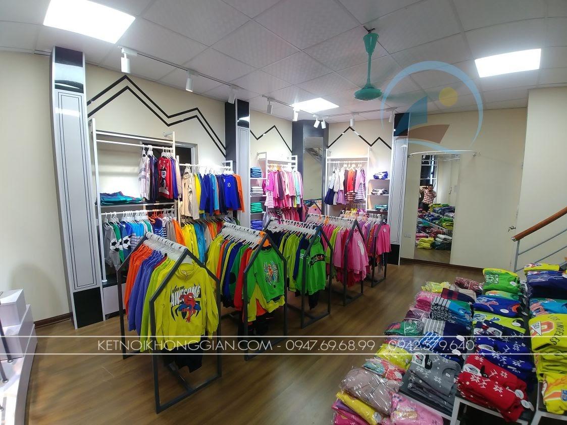 giá kệ thời trang cửa hàng