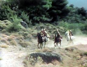 "Photo: ανέβασμα ιππέων από την ""καλογερόβρυση"""