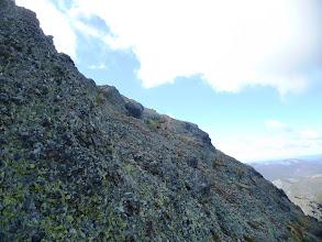 Photo: Las últimas rampas por la cara norte, ya se divisa el vértice geodésico