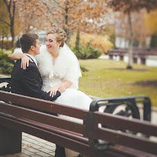 Wedding photographer Varvara Lomancova (VarvaraL). Photo of 12.04.2013