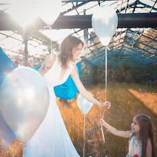 Wedding photographer Anastasiya Selezneva (Karbofox). Photo of 21.03.2015