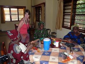 """Photo: la nourriture, les soins, les loisirs, rien ne manque pour satisfaire humainement ces"""" sages"""""""