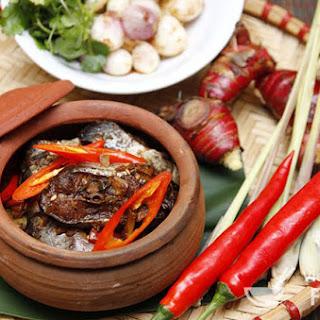 Vietnamese Caramelized & Braised Catfish (Cá Kho Tộ)