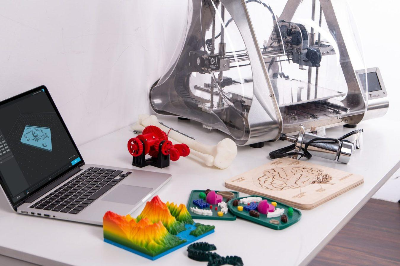 3D Printer Products with Laptop