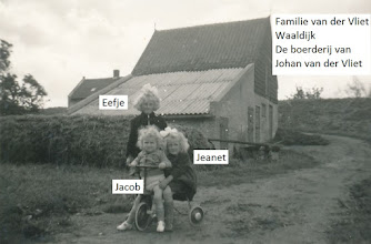 Photo: P fam vd Vliet; vlnr Eefje, Jeanet, Jacob