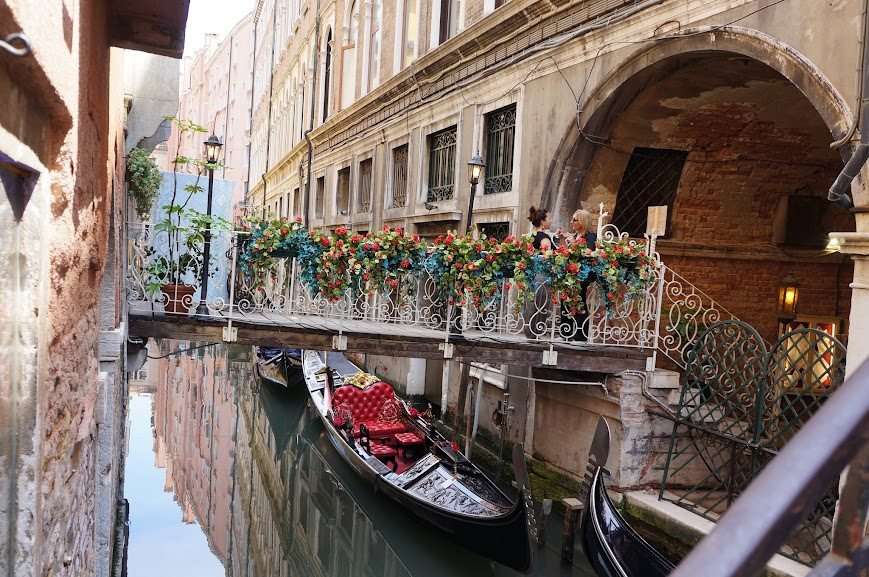 Floral decor on the bridge in Venice, Italy (2015)