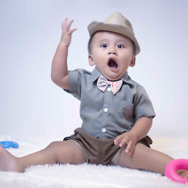 whaaattttttzzzz by Dedi Triyanto  - Babies & Children Child Portraits