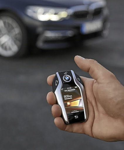 The 5 Gets Same Smart Key As 7 Which Also Allows Remote Parking