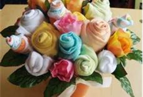here is flowers made from anything from baby wash cloths to one colored t...