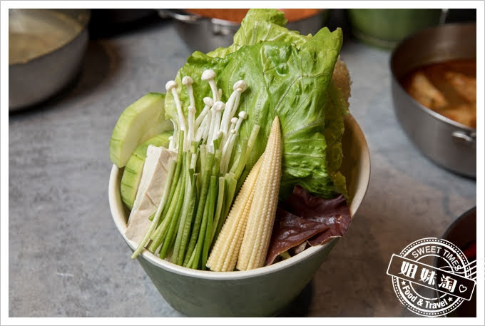 貳堂鍋物菜盤
