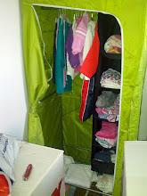 Photo: Ale Bibina má v pokoji aspoň skříň (protože do naší by se už nevešla)... Látková z Ikey za 349,- :D