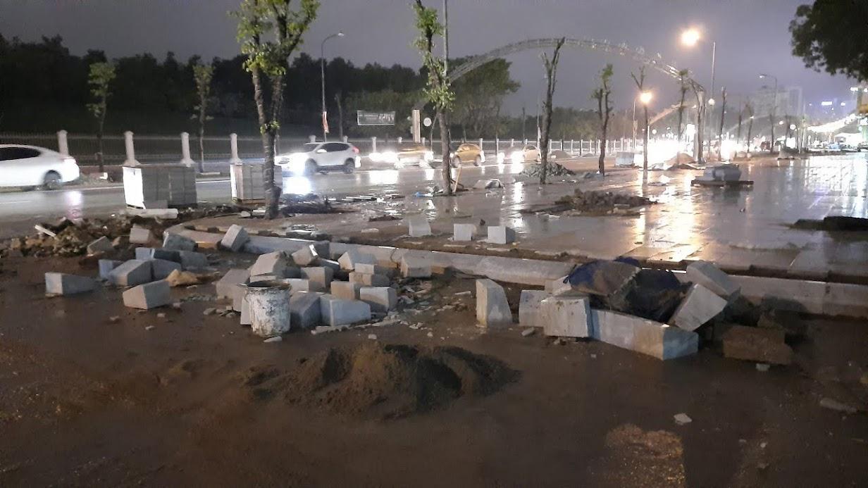 UBND tỉnh giao các địa phương, chỉnh trang kết cấu hạ tầng giao thông, hoàn trả mặt đường để bảo đảm an toàn cho người và phương tiện đi lại trong dịp Tết