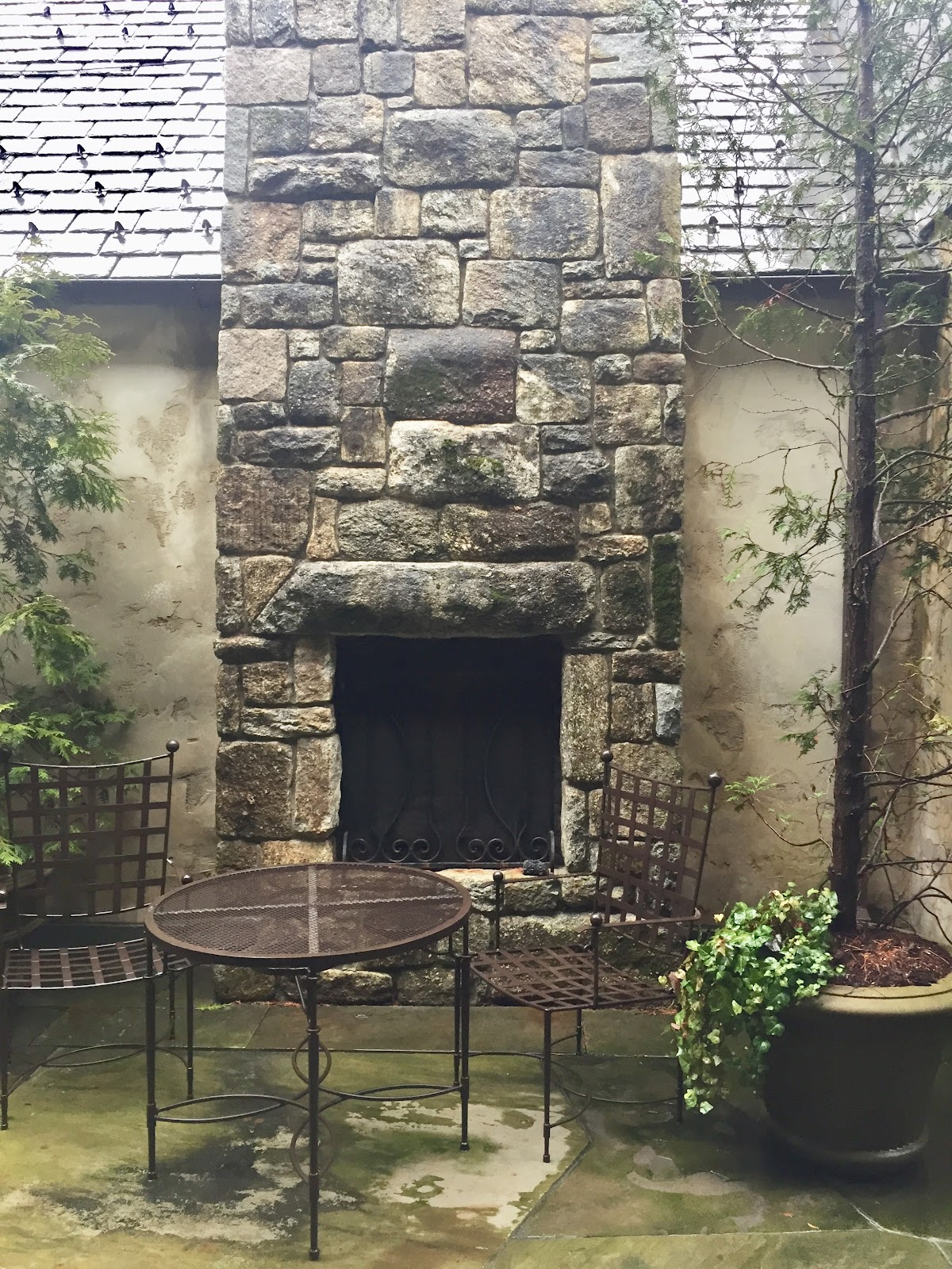 Outdoor Setting Fireplace