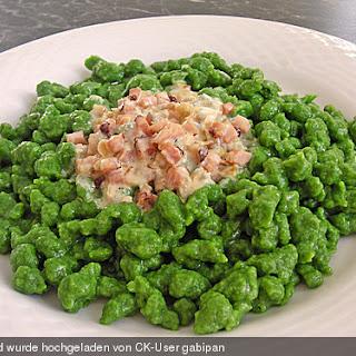 Spinatspätzle mit Gorgonzolarahmsoße
