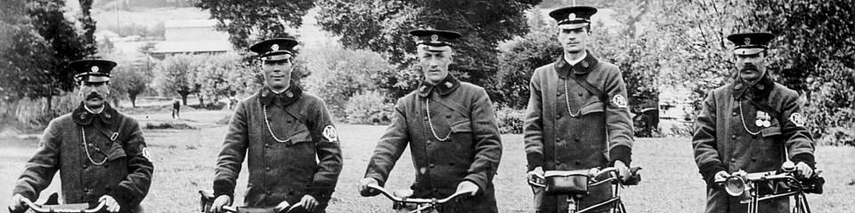 history-promo-1-1914-patrols-bicycles-oxford-road.jpg