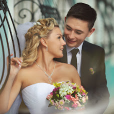 Wedding photographer Mari Bazhenova (Mariasha). Photo of 12.07.2014