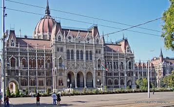Photo: 16 mei. Boedapest. Parlementsgebouw.