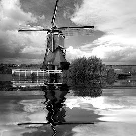 Windmill in NL by Gérard CHATENET - Black & White Buildings & Architecture