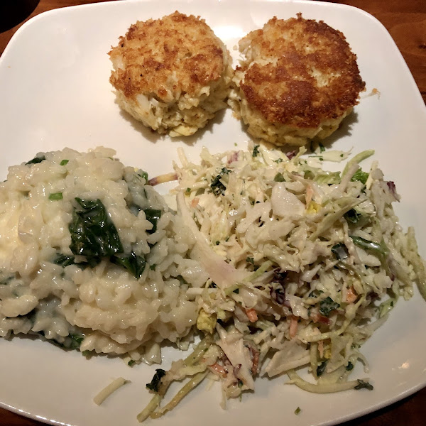 Crab cakes, Spinach Risotto, and Coleslaw