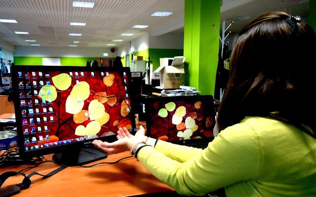 Virtual Autumn.. Anche in ufficio cadono le foglie.. di towerofbear