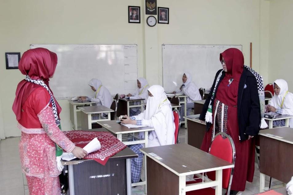 Observasi Ruang Kelas SMA Ar-Rohmah Putri
