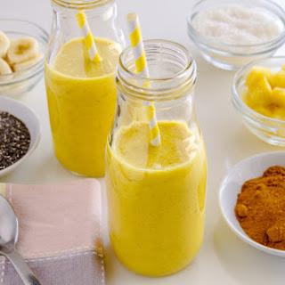 Pineapple Turmeric and Chia Seed Cleansing Smoothie.