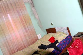 Photo: Mums padovanotas rusiško senumo hotelio kambarys. Mums sulytiems tąkart jis buvo labai reikalingas.   The policeman that bought us a hotel room. We were in a good need of that after the rainy night, having soaked sleeping bags.
