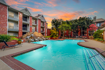 Go to Derby at Steeplechase Apartments website