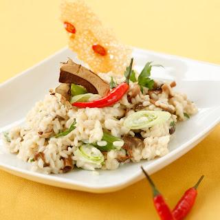 Steinpilzrisotto mit Chili-Parmesan-Cracker