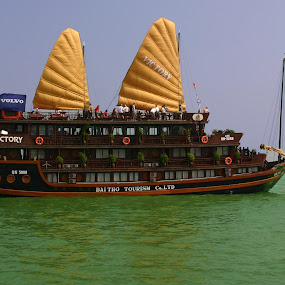 Boat Halong Bay, Vietnam by Benny Berget - Transportation Boats (  )