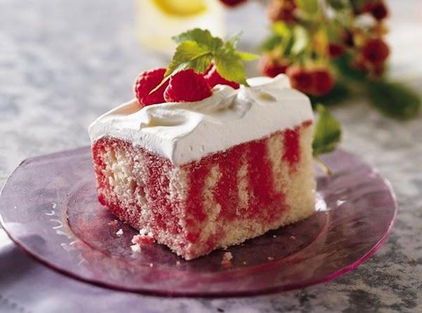 Raspberry Poke Cake Recipe