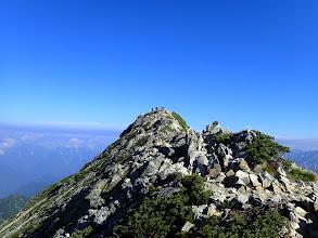 山頂までは平坦な道