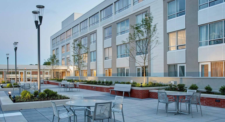 Courtyard by Marriott Erie Bayfront