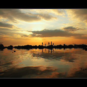 till sunset by Brigido Alcayde - City,  Street & Park  Vistas ( landscape )