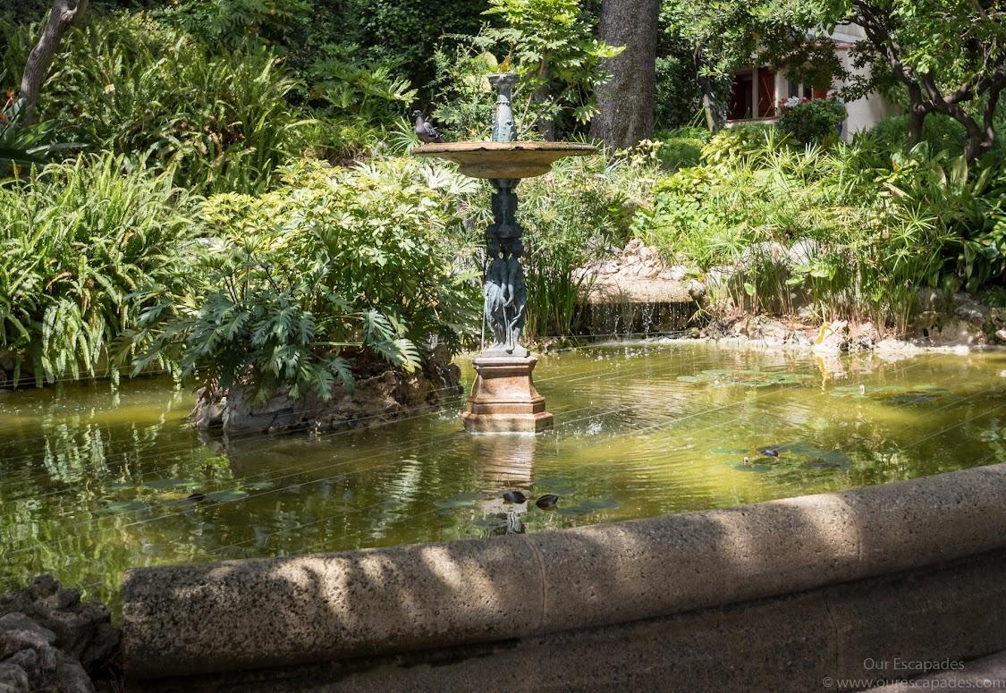 The gardens, by the aquarium