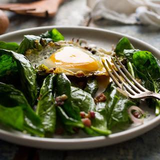 Spinach Salad With Pancetta and Fried Eggs