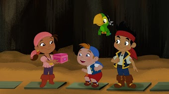 Izzy's Pirate Puzzle / The Never Land Games