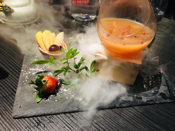 Elfin Restaurant & Lounge,餐點精緻,調酒特別又好喝,適合拍照的好地方