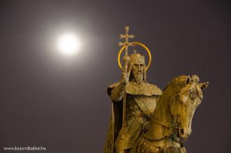 Photo: Szent István szobra a Budai Várban