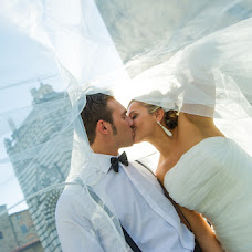 Wedding photographer Andrea Tarlati (lefotodiriccard). Photo of 26.07.2014