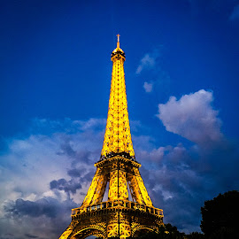 Eiffel Tower by Mike Hotovy - Instagram & Mobile iPhone